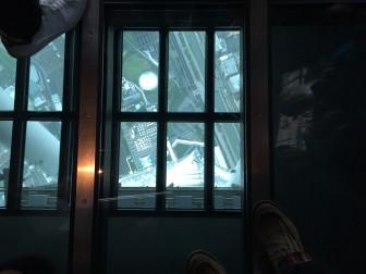 ②下への窓